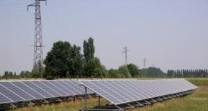 Critiche M5S alle scelte regionali dei forti incentivi alle rinnovabili sui terreni: a perderci agricoltura, territorio, ambiente e i pugliesi