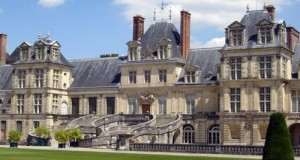 Inizia in Aula il dibattito sulla mozione M5S per rivedere l'accordo di Fontainebleau che prevede il cosiddetto sconto inglese sulla contribuzione al bilancio Ue: tutto a carico di Italia e Francia