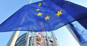 Tutte le forze politiche avallano la versione italiana dell'Accordo di Partenariato, già pesantemente redarguita da Bruxelles. Dure critiche del M5S