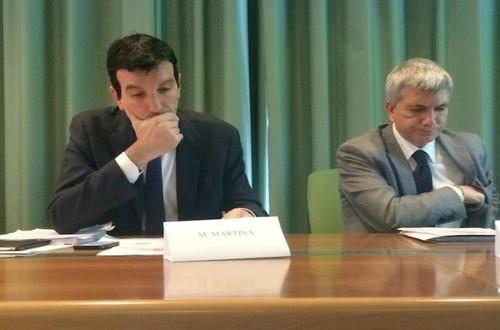 C'era bisogno dell'embargo francese per vedere il ministro Martina in terra salentina per fronteggiare l'affaire Xylella ed il PD incredibilmente applaude