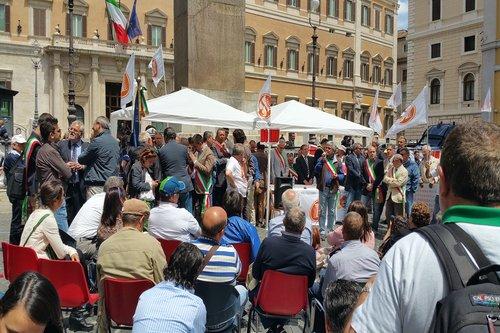 Montecitorio consiglio comunale per dire no all imu agricola for Montecitorio oggi