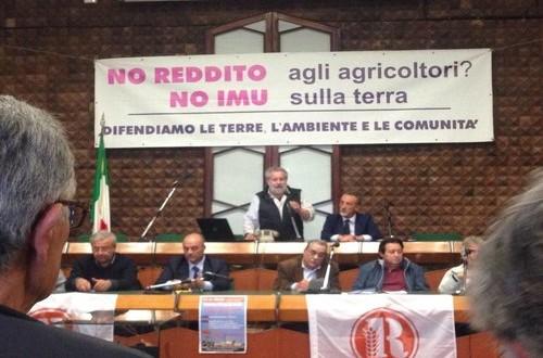 La Camera approva solo la mozione del PD sull'Imu agricola: un impegno senza date certe che si rivela l'ennesima presa per i fondelli per gli agricoltori