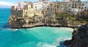 Con una lettera, il M5S invita i ministri Galletti (Ambiente) e Franceschini (Turismo) ad apprezzare in maniera diretta le bellezze di Polignano