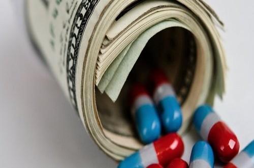 """Mentre il Governo prepara l'ennesimo taglio al SSN, i senatori pugliesi D'Ambrosio Lettieri (CRi) e Tomaselli (PD) firmano due """"regali"""" per Big Pharma"""