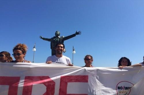 """Si è tenuta il 28 agosto la manifestazione No Triv """"Giù le mani dal nostro mare"""" organizzata dagli Attivisti M5S di Polignano"""