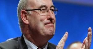 """Il Commissario all'agricoltura Phil Hogan apre sulle cosiddette """"quote camaleonte"""" del M5S per far fronte alla forte crisi in atto nel settore latte"""