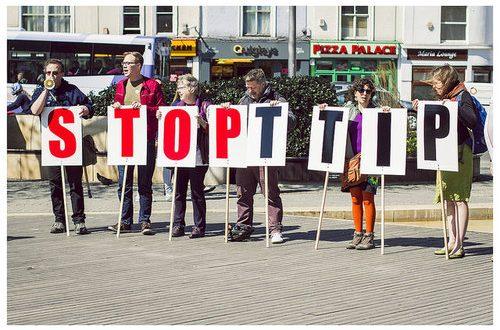 Nel TTIP vengono tutelati solo l'olio evo Terra di Bari e la Mozzarella di Bufala Campana tra i prodotti certificati pugliesi