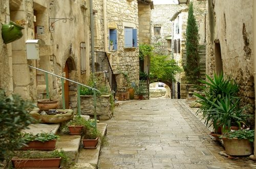 85 Piccoli Borghi di Puglia con meno di 5.000 abitanti beneficeranno di fondi per interventi antisismici e sostegno ai prodotti tipici locali