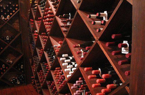 Semplificazione burocratica mantenendo alti standard qualitativi per il settore del vino, pregiato comparto che traina il made in Italy nel mondo