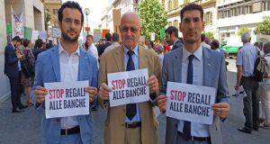 Il ministro Boschi pone la questione di fiducia sul decreto banche appena approdato a Montecitorio. L'ira del Movimento 5 Stelle