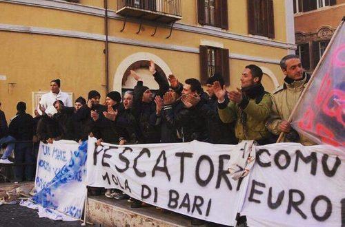 Il M5S presenta una risoluzione in Commissione Agricoltura a Montecitorio per rivedere il sistema sanzionatorio della pesca che protesta in piazza