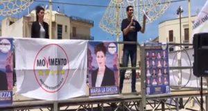Il Movimento 5 Stelle scende in piazza Aldo Moro per raccontare le allegre spese degli appalti del Sindaco Vitto. A partire dall'affaire lecci