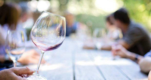 """Partire dal percorso fatto negli ultimi anni con le """"strade del vino"""" per modernizzare l'enoturismo è l'obiettivo di una proposta di legge del M5S"""