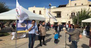 Il M5S in piazza Moro a Polignano (BA) per illustrare l'errato calcolo della Tari e per informare i cittadini sui possibili rimborsi sulla tassa rifiuti