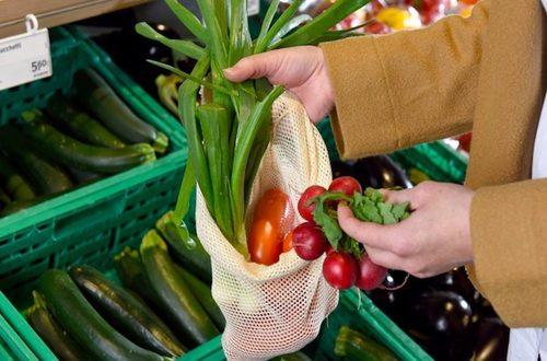 Per come è stata redatta, la legge sugli shopper bio rischia di trasformarsi più in un inutile balzello che in un aiuto all'ambiente